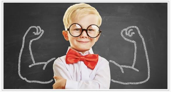 استقلال کودکان از جمله مسائل مهمی است که در روانشناسی کودک مطرح میشود. استقلال یکی از اصول مهم زندگی اجتماعی است که همۀ افراد نیاز دارند آن را تجربه کنند. استقلال باعث میشود تا فرد مهارتهای لازم جهت زندگی و فعالیت موثر در اجتماع را یاد بگیرد و به شیوهای صحیح از والدین خود مستقل شود. وابستگی بیش از حد باعث اضطراب و نگرانی در فرد میشود که این تنشها به تدریج سرخوردگی و عدم پیشرفت در زندگی اجتماعی را در پی دارند. برای این که استقلال فرزندان به شیوه صحیحی صورت بگیرد باید به سن خاص آن و اهمیت آن در هر دوره توجه شود.